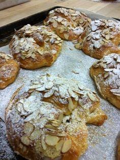 Almond Crossiants - Purebread