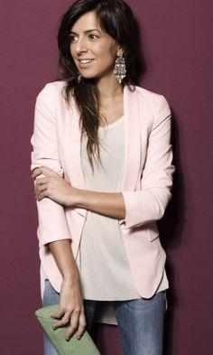 Zara in Blazers 1  Zara in T Shirts 2  Salsa Jeans in Jeans 3  Uterqüe in Clutches 4  Dimitriadis in Jewelry 5