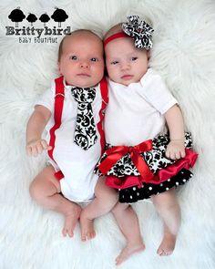 Boy and Girl Twins  Red Girls Ruffle Onesie Dress por Brittybird