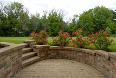 Wall and plants instead of railing. Walk out basement patio Walkout Basement Patio, Basement Entrance, Basement Windows, Basement House, Sunken Patio, Basement Renovations, Basement Ideas, At Home Movie Theater, Outdoor Living