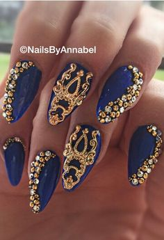 Navy gold nails by @nails_by_annabel_m on IG