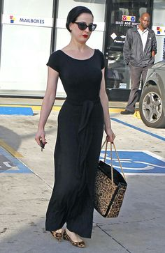 Dita Von Teese: Saddened by Etta James' Death: Photo Dita Von Teese leaves a salon on Friday (January in Hollywood. The burlesque artist accessorized her long black dress with leopard-print flats… Vintage Stil, Mode Vintage, Dita Von Teese Style, Pretty Outfits, Cute Outfits, Dita Von Tease, Vogue, Estilo Retro, Up Girl