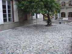 """Résultat de recherche d'images pour """"chemin de galets"""" Images, Design, Paths, Pebble Stone, Searching"""