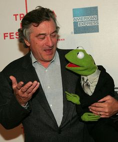 """Robert De Niro and Muppet Kermit The Frog attend the premiere of """"The Muppets Wizard of Oz"""" at the Tribeca Film Festival 27 April 2005 in New York. Al Pacino, Jim Henson, Wedding Art, Wedding Humor, The Godfather Part Ii, Crime Film, The Muppet Show, Nyan Cat, Tribeca Film Festival"""