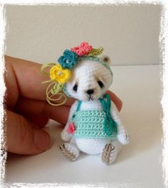 Crocheting: Miniature Thread Crochet Bear 'AMaLee'
