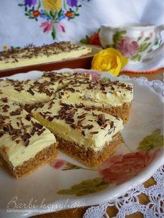 Most egy nagyon finom süteményt készítettem el, amit évek óta szerettem volna kipróbálni, de féltem tőle, pont úgy mint a mézes krémes lapj... Ital Food, Hungarian Recipes, Hungarian Food, Tasty, Yummy Food, I Want To Eat, Cake Cookies, Cheesecake, Food And Drink