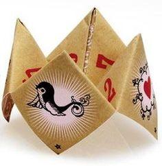 Romantic (Origami) Paper Fortune Teller http://domestikgoddess.com/romantic-paper-fortune-teller/