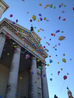 #Bra, Piemonte, Italy - Santuario della Madonna dei Fiori, 9 settembre benedizione dei bambini e lancio dei palloncini