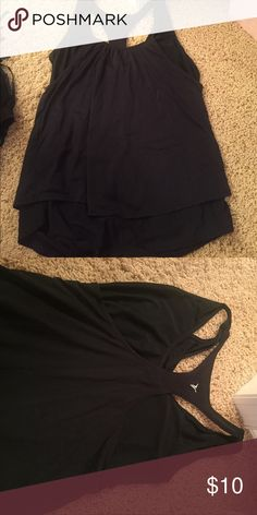 Athletic top Old navy large black athletic top. Two layering makes it very flattering!! Old Navy Tops Tank Tops