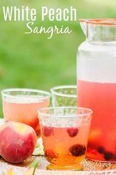 Sangria Recipe For A Crowd, Punch Recipe For A Crowd, Peach Sangria Recipes, White Peach Sangria, Cocktail Recipes For A Crowd, Alcoholic Punch Recipes, Easy Summer Cocktails, Summer Sangria, Winter Cocktails