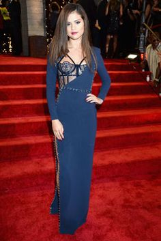 The Best Looks from the 2013 MTV Video Music Awards: Selena Gomez in Atelier Versace