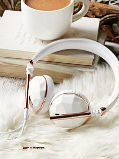Linea Vegan Headphones | Listening to music just got a whole lot cuter with…