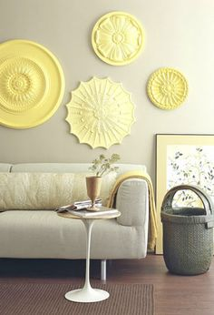 painted ceiling medallions for the wall. So cool, but what on earth are ceiling medallions? Diy Wanddekorationen, Easy Diy, Simple Diy, Diy Casa, Cheap Wall Decor, Easy Wall Decor, Cheap Wall Art, Ceiling Medallions, Home And Deco