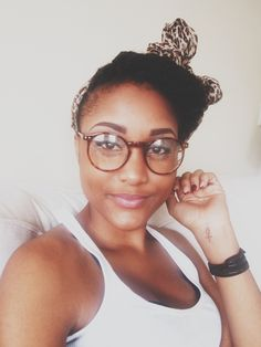 Pretty Girls In Glasses