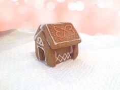 Valentine Bungalow by Mug Buddy Cookies