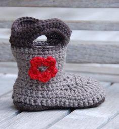 Zapatos originales para niños Archivos - Minimoda.es Crochet Hats, Slippers, Bb, Shoes, Fashion, Kids Fashion, Scarves, Knitted Baby, The Originals