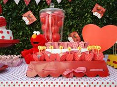 Get interesting and fun Elmo birthday party ideas right here. Go with Elmo themed birthday party ideas and ensure fun! Elmo First Birthday, 2nd Birthday Parties, Birthday Ideas, Kid Parties, Birthday Stuff, Sesame Street Party, Sesame Street Birthday, Elmo Invitations, Printable Invitations