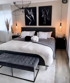 Decor Home Living Room, Home Bedroom, Black Bedroom Decor, Bedroom Ideas Grey, Black White And Grey Bedroom, First Apartment Decorating, Home Room Design, Luxurious Bedrooms, House Rooms