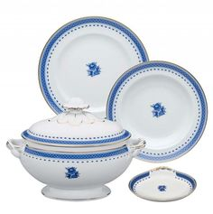 Wide range of products and dining sets made Vista Alegre porcelain. Porcelain Ceramics, China Porcelain, Wine Painting, Kintsugi, Blue China, Dinner Sets, Wedgwood, Dinnerware, Home Accessories