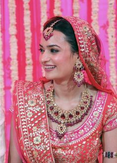 A rather large bun, but covered up. Care however should be taken before adopting… Indian Bridal Wear, Indian Wedding Jewelry, Indian Wear, Designer Bridal Lehenga, Bridal Lehenga Choli, Indian Attire, Indian Outfits, Indian Reception Outfit, White Anarkali