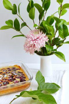 Clafoutis aux cerises - avec une touche de roses