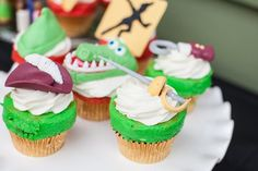 Peter Pan Birthday Party {Ideas, Supplies, Decor}