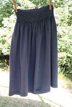 Shirt skirt - tutorial for making a skirt with a shirred waist from a t-shirt.