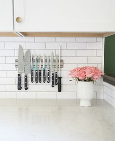 Is your kitchen in need of decluttering? Save my best hacks for organizing a styled kitchen that looks beautiful and is also functional!
