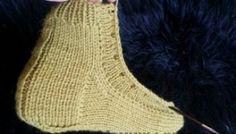Как связать кеды (Diy) / Вязание / ВТОРАЯ УЛИЦА - Выкройки, мода и современное рукоделие и DIY Tabata, Crochet Bikini, Slippers, Socks, Sewing, Fashion, Made By Hands, Log Projects, Craft