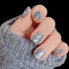 Christmas Gel Nails, Christmas Nail Art Designs, Winter Nail Designs, Holiday Nails, Holiday Mood, Star Nail Designs, New Years Nail Designs, Popular Nail Designs, Christmas Design
