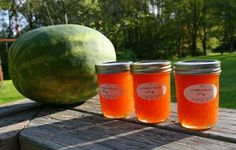 Watermelon Jelly - this site has tons of interesting jam/jelly recipes Sugar Baby Watermelon, Watermelon Jelly, Watermelon Recipes, Watermelon Varieties, Homemade Jelly, Canning Food Preservation, Canned Food Storage, Jelly Recipes, Yummy Recipes