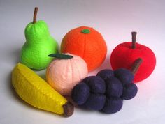 Felt food fruit set eco friendly childrens pretend play food for toy kitchen apple, banana, pear, peach, orange and grapes
