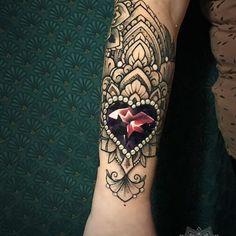 New tattoo heart dotwork mandalas 33 Ideas Cuff Tattoo, Gem Tattoo, Jewel Tattoo, Lace Tattoo, Dot Work Tattoo, Tattoo Arm, Hand Tattoos, Dope Tattoos, Trendy Tattoos