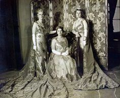 The Egyptian Princesses Halim Dressed for the Royal Wedding of TM King Farouk I and Queen Farida of Egypt in 1938 . Royal Crowns, Royal Jewels, Egyptian Wedding, Arab Celebrities, Celebs, Egyptian Kings, African Royalty, Old Egypt, Bagdad