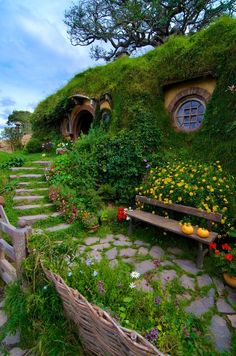 studioview: There And Back Again… by Evan Travers The Shire, Bag End, Hobbiton, Matamata, New Zealand Frodo and Bilbo were here :-) Hobbit Hole, The Hobbit, Oh The Places You'll Go, Places To Visit, Beautiful World, Beautiful Places, Dream Vacations, New Zealand, The Good Place
