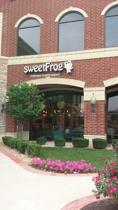 sweetFrog storefront in Frankfort, IL Opened for business on August 2013