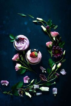 Photo styling ideas and inspiration | Food photo | Dark and moody food photography | Dark spring cupcakes by Dina (Food Photography) on 500px