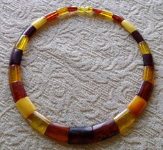 Bakelite Necklace ~ Brown Butterscotch Amber Yellow  I really, really want this necklace :)