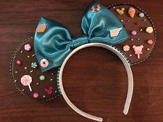 Vanellope Von schweetz inspired ears Wreck it ralph Diy Disney Ears, Disney Mickey Ears, Disney Nerd, Disney Diy, Wreck It Ralph, Vanellope Von Schweetz, Disney Headbands, Cat Ears Headband, Adventures By Disney