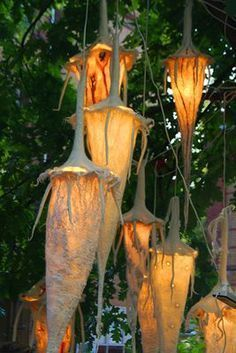 Marian Kastelein Maybe a glass with LED and solar felt by Dehner would look great and solve the technical problem - All About Decoration Nuno Felting, Paper Lanterns, Fairy Houses, Felt Art, Land Art, Lampshades, Textile Art, Garden Art, Sculpture