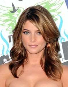 love her, love her hair.  thinking highlights like this!