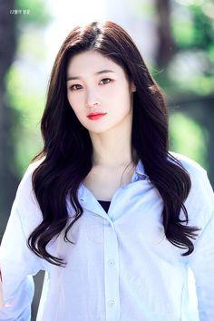 South Korean Girls, Korean Girl Groups, Korean Actresses, Actors & Actresses, Jung Chaeyeon, Kim Sejeong, Elegant Girl, Chinese Actress, Ioi
