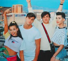 emma chamberlain, grayson dolan, and ethan dolan image Ethan And Grayson Dolan, Ethan Dolan, Dollan Twins, Siblings, Emma Chamberlain, Best Friend Goals, Poses, Twin Sisters, Squad Goals