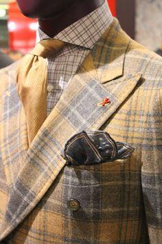very emersonian :-) Mens Fashion Blazer, Best Mens Fashion, Suit Fashion, Suit Up, Suit And Tie, Suit Vest, Sharp Dressed Man, Well Dressed Men, Dandy Style