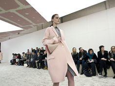 Soft pink coat - CÉLINE