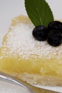 Lemon Bars What's not to love about Limoncello?What's not to love about Limoncello? Lemon Dessert Recipes, Lemon Recipes, Easy Desserts, Sweet Recipes, Delicious Desserts, Yummy Food, Cake Recipes, Lemoncello Dessert, Limoncello Recipe