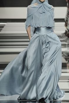 Elie Saab....this looks like it should be worn by the Bauxbatons girls :) :) :) :) yes.