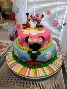 Birthday cake minnie and Mickey mouse club Twin Birthday Cakes, Minnie Mouse Birthday Cakes, Twin Birthday Parties, Mickey Mouse Clubhouse Birthday, Disney Birthday, 2nd Birthday, Birthday Ideas, Bolo Do Mickey Mouse, Mickey And Minnie Cake