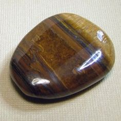 Tigers-Eye - Keeps you grounded, encourages optimism and lifts the mood. Great for balancing on all levels and encourages us to open up to new experiences. It's a stone of protection that is also very grounding. It enhances integrity, willpower, practicality and correct use of power. It enhances good luck, and brings prosperity, often in the form of money. Tigers eye enhances our connection with our personal power and will.