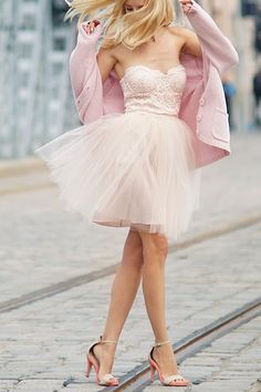 Fashion, Beauty and Style: Pretty Pink Fall in Love